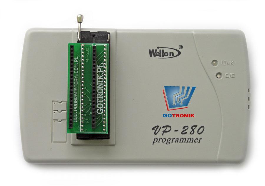Adapter wkładamy do podstawki ZIF48 programatora VP280: