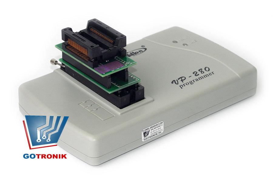 Następnie do adaptera SOP44-TSOP48 wkładamy właściwy adapter  uniwersalny SOP44-DIP44:
